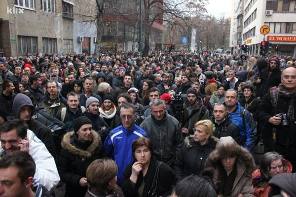 Protestors in Sarajevo. Pic credit:  Refik Hodzic via Twitter