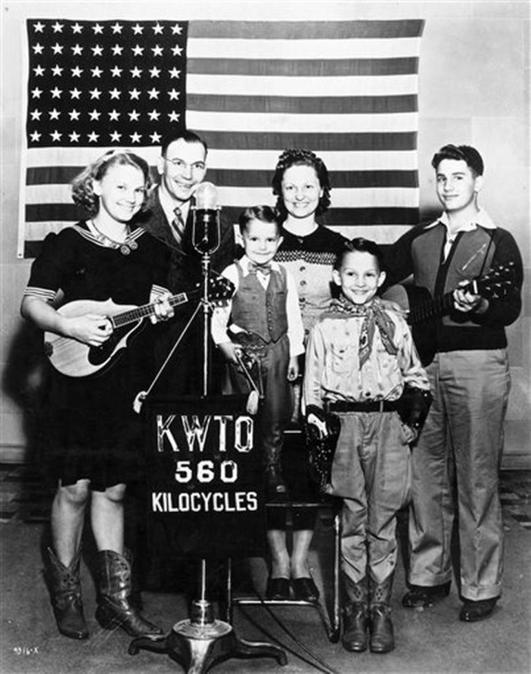 The Haden Family band (Charlie is the little one, fourth from the left)