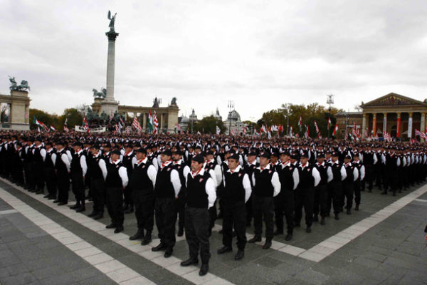 Hungary: nazi party Jobbik has a huge paramilitary wing